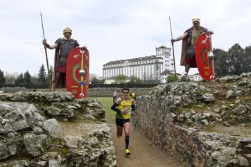 Guarda de honra pretoriana na 5ª vitória consecutiva de Bruno Paixão em Mérida (foto de AP Pérdigon).