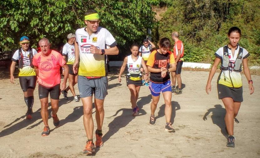 Convívio ao rubro no Trail daÁguia