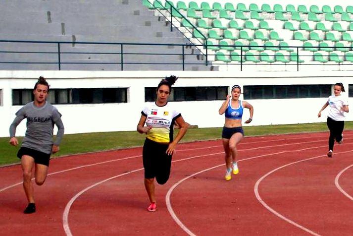 Ana Silva 27,8 nos 200m